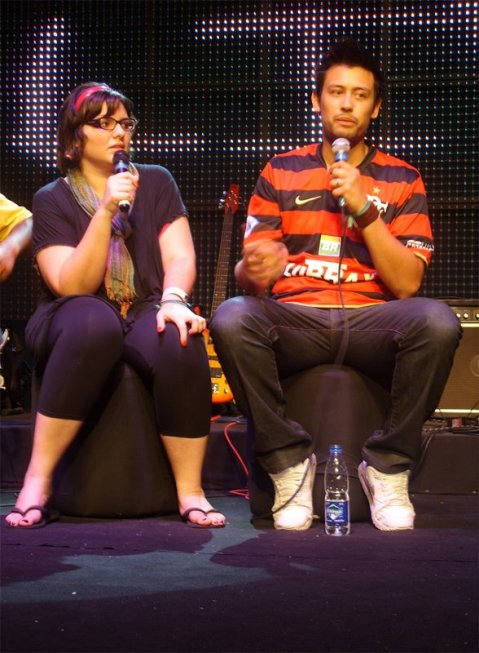 Débora Araújo (Missão) & Nick Khiroya (Hillsong Church-AUS)